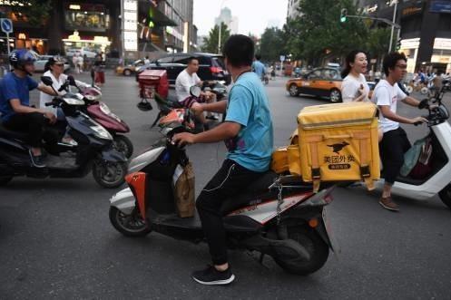 """西媒感叹:中国物流革命""""碾压""""亚马逊"""